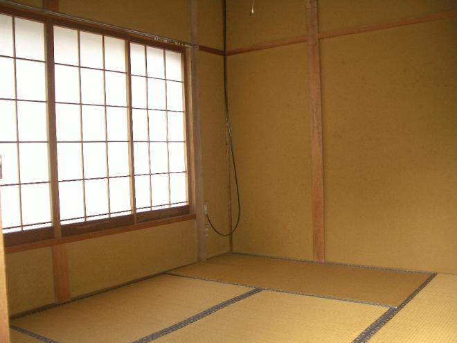 和室各部屋に押入があるので収納できます!