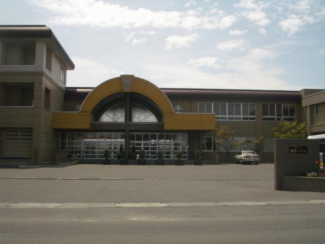 福村小学校まで徒歩15分です。
