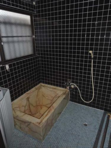 お風呂です。窓があるので入浴後、換気もできます♪