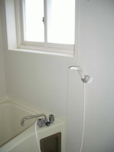 浴室に窓があって換気がしやすい♪