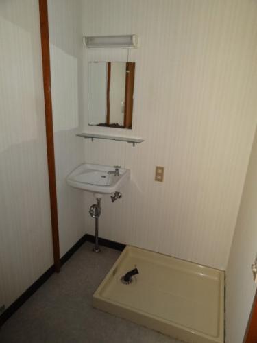 洗面台あります!隣に洗濯機おけます♪