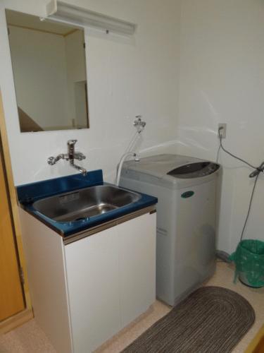 洗濯機も共有で使えます!60分100円です♪
