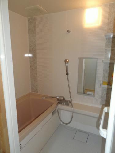 浴槽のあるタイプの共有お風呂です♪15分100円です!