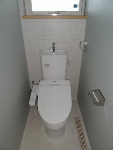 温水洗浄機能つきトイレ。