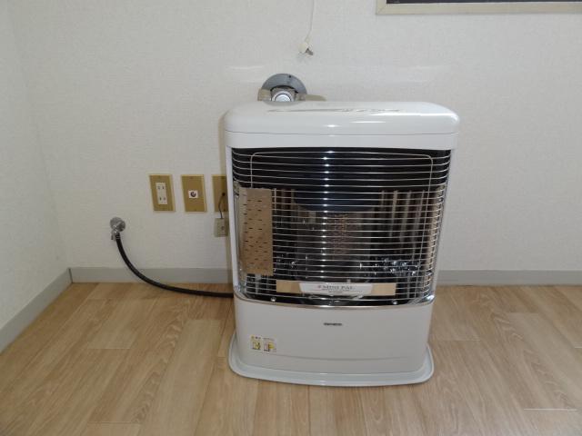 暖房は自動配管!エアコンも付いてます♪