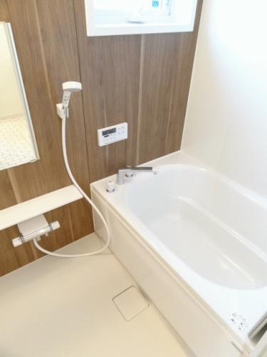 お風呂には追焚機能がついております!