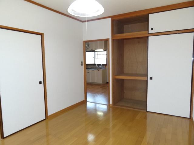 お部屋の収納はこんな感じです♪
