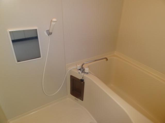 浴室です。お風呂とトイレ別々です♪