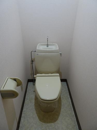 トイレは暖房便座です!